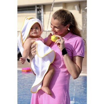 Fred & Gina hooded towel